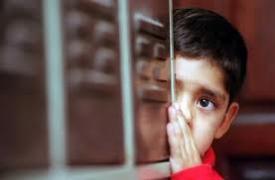 Chicos introvertidos, una señal que da cuenta de la violencia a la que pueden ser sometidos